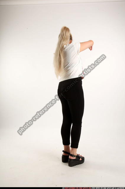 Woman Young Average Daily activities Standing poses Casual Asian
