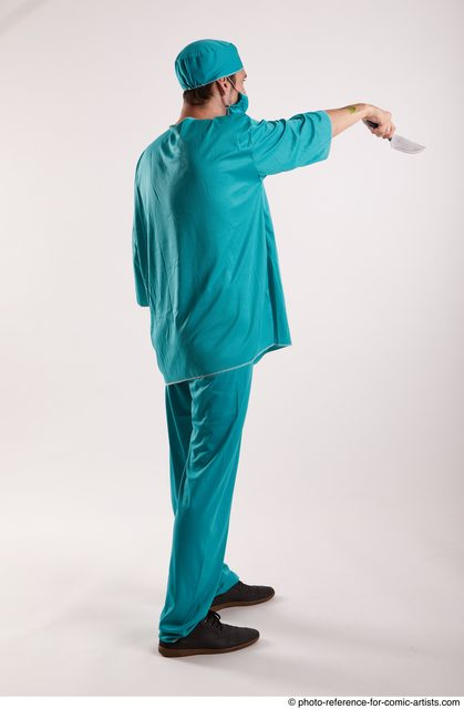Man Adult Average White Fighting with knife Standing poses Casual