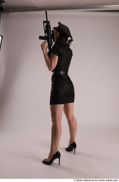 Woman Adult Average White Fighting without gun Standing poses Casual