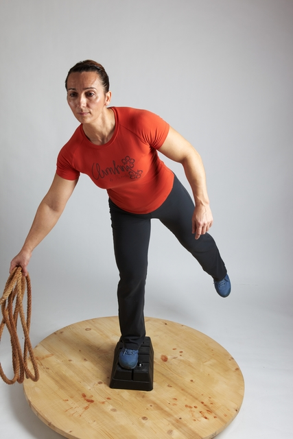 Woman Adult Average White Martial art Standing poses Casual