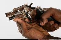 CLOSE UP RELOADING REVOLVER 06.jpg