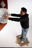 2009 03 JACOB THROWING BALL2 01 A