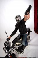 2009 06 BIKER SHOOTING SIDE 04