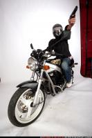 2009 06 BIKER SHOOTING SIDE 03