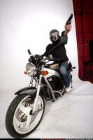 2009 06 BIKER SHOOTING SIDE 02