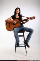 2010 01 SILVIA PLAYING GUITAR 00 C