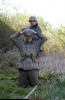 2010 03 WW2 INFANTRY GUARDING SURRENDERED PRISONER 01.jpg