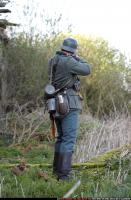 2010 03 WW2 INFANTRY STANDING AIMING RIFLE 03