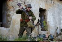 WW2 FINISHING WITH BAYONET 06