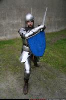 2011 01 MIDDLEAGE KNIGHT2 SWORD SHIELD POSES 00