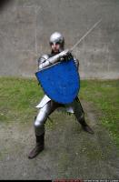 2011 01 MIDDLEAGE KNIGHT2 SWORD SHIELD POSES 02