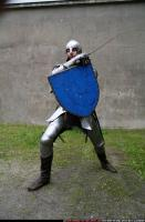 2011 01 MIDDLEAGE KNIGHT2 SWORD SHIELD POSES 03