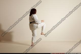 2011 09 MICHELLE SMAX KARATE POSE4 82