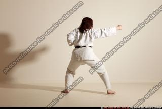 2011 10 MICHELLE SMAX KARATE POSE5 107