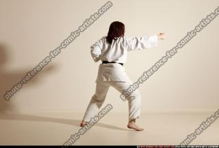2011 10 MICHELLE SMAX KARATE POSE5 108