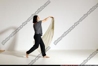 2014 08 SMAX ANGELICA DANCE SCARVE POSE1 120