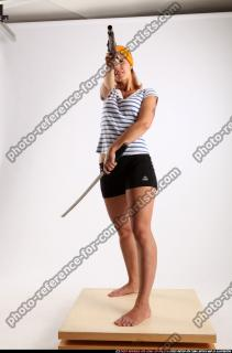 2015 02 AMY PIRATE FLINTLOCK SWORD AIMING POSE 00 C