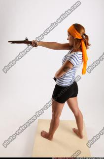 2015 02 AMY PIRATE FLINTLOCK SWORD AIMING POSE 02 A
