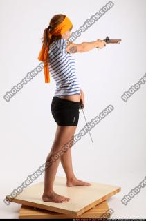 2015 02 AMY PIRATE FLINTLOCK SWORD AIMING POSE 05 B