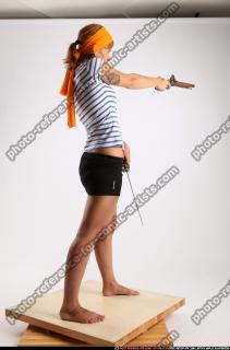 2015 02 AMY PIRATE FLINTLOCK SWORD AIMING POSE 05 C