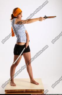 2015 02 AMY PIRATE FLINTLOCK SWORD AIMING POSE 06 B