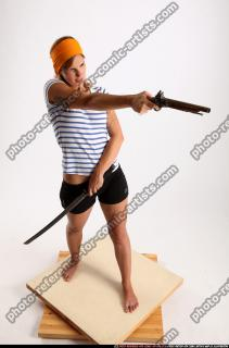 2015 02 AMY PIRATE FLINTLOCK SWORD AIMING POSE 07 A