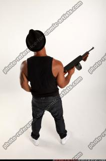2016 07 MARCUS TOMMYGUN POSE5 04 A