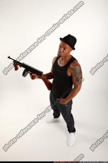 2016 07 MARCUS TOMMYGUN POSE5 01 A