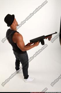 2016 07 MARCUS TOMMYGUN POSE5 05 A