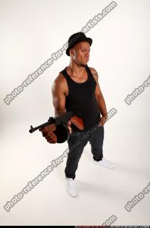 2016 07 MARCUS TOMMYGUN POSE5 07 A