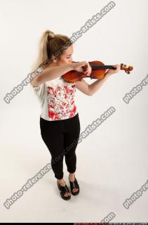 2016 11 KAYA STANDING PLAYING VIOLIN 06 A
