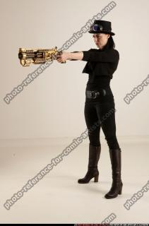2017 02 CLAUDIA STEAMPUNK BLASTER RIFLE POSE1 AIMING 01 B