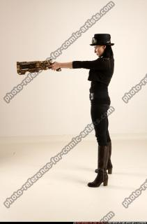 2017 02 CLAUDIA STEAMPUNK BLASTER RIFLE POSE1 AIMING 02 B