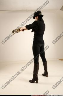 2017 02 CLAUDIA STEAMPUNK BLASTER RIFLE POSE1 AIMING 03 C