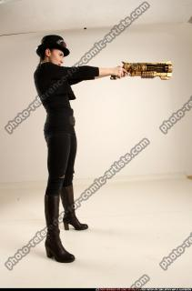 2017 02 CLAUDIA STEAMPUNK BLASTER RIFLE POSE1 AIMING 06 C