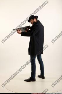2017 03 LOGAN TOMMYGUN POSE3 SHOOTING 01 B
