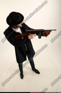 2017 03 LOGAN TOMMYGUN POSE3 SHOOTING 06 A
