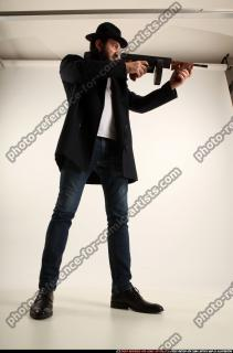 2017 03 LOGAN TOMMYGUN POSE3 SHOOTING 06 C