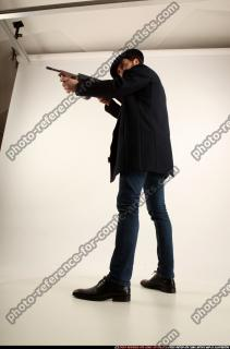 2017 03 LOGAN TOMMYGUN POSE3 SHOOTING 01 C