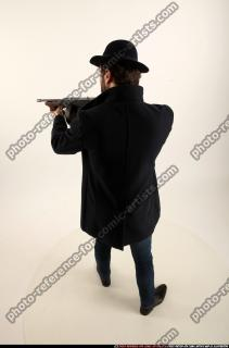 2017 03 LOGAN TOMMYGUN POSE3 SHOOTING 03 A
