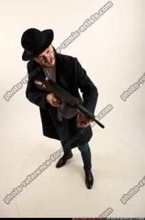 2017 03 LOGAN TOMMYGUN POSE3 SHOOTING 07 A