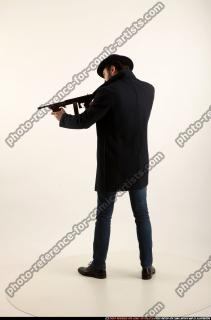 2017 03 LOGAN TOMMYGUN POSE3 SHOOTING 02 B