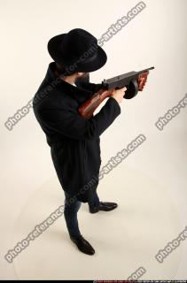 2017 03 LOGAN TOMMYGUN POSE3 SHOOTING 05 A