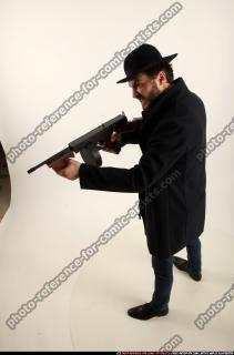 2017 03 LOGAN TOMMYGUN POSE3 SHOOTING 01 A
