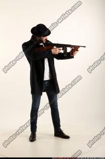 2017 03 LOGAN TOMMYGUN POSE3 SHOOTING 06 B