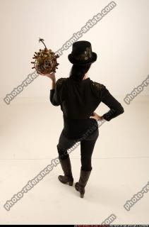 2017 03 CLAUDIA STEAMPUNK BOMB POSE2 04 A