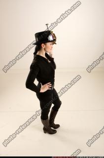 2017 03 CLAUDIA STEAMPUNK BOMB POSE2 06 A