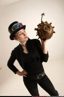 2017 03 CLAUDIA STEAMPUNK BOMB POSE2 08
