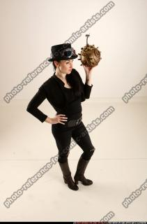 2017 03 CLAUDIA STEAMPUNK BOMB POSE2 07 A