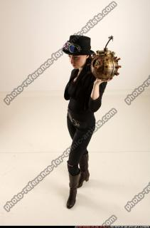 2017 03 CLAUDIA STEAMPUNK BOMB POSE2 01 A